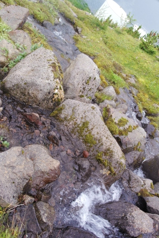 Hiking to Tvisongur