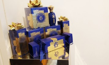 Eau D'Hadrien gift set display